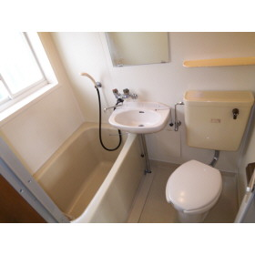 バス・トイレ同室の写真 仙台大学ではこれも「独立」と表記されます