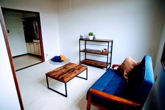 家具等は撮影用に設置してあります