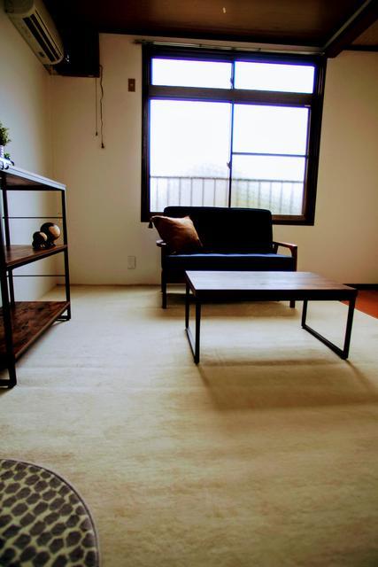 家具類は撮影用に設置したものです