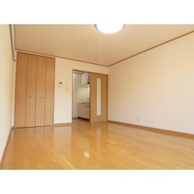 洋室9帖(居間)