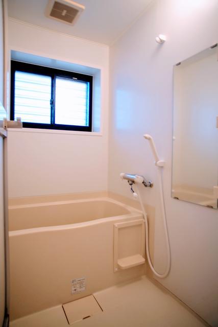 バストイレ別室です(風呂)