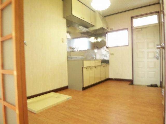 室内洗濯機置場(キッチン)