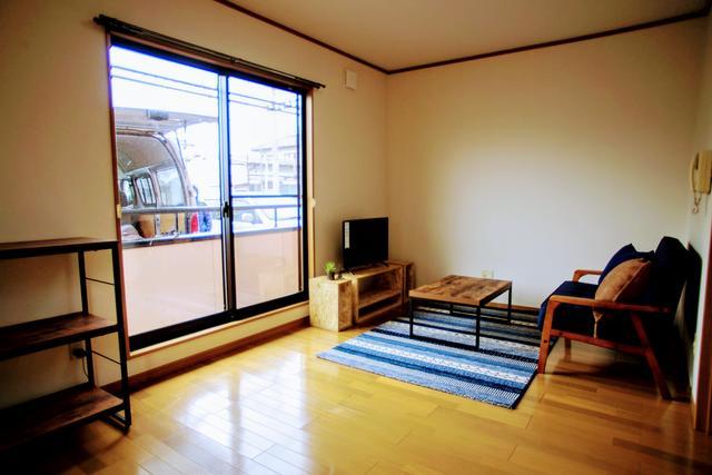 家具類は撮影用に設置したものです(居間)