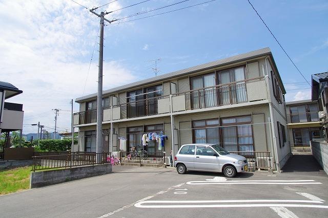 イオンタウンそば。3Kファミリー物件 アネックス1階 41,000円+2,000円。住替えラクラクキャンペーン中です。