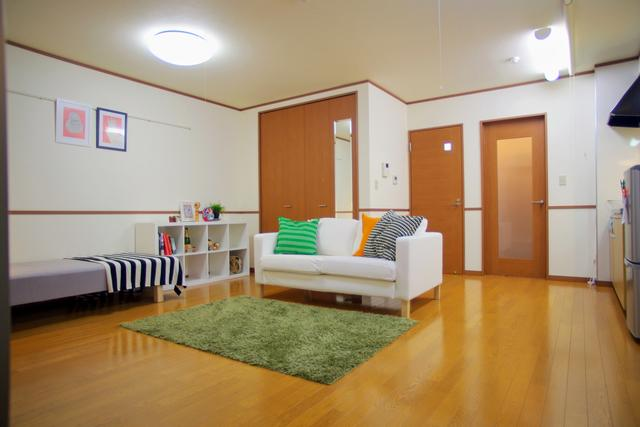 SunCourt 広々リビングタイプ1R15.4帖 1階・2階 ネット無料 冷蔵庫・洗濯機付 オートロック玄関でデジタルキー